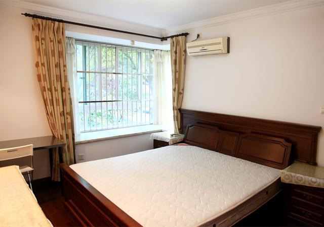 杨浦区-书香公寓-五居室-东卧-15.0㎡