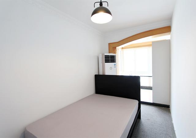 杨浦区-申安公寓-五居室-东卧-13.0㎡