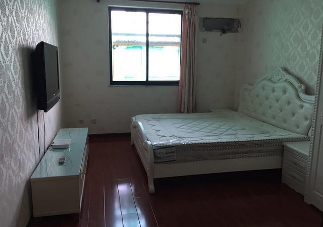 浦东新区-荣城花苑-3室2厅2卫-151.0㎡