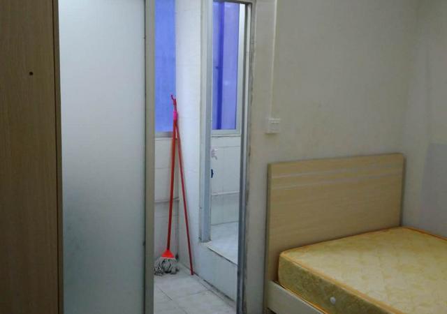 龙岗区-兴文公寓3村委-1室0厅1卫-15㎡