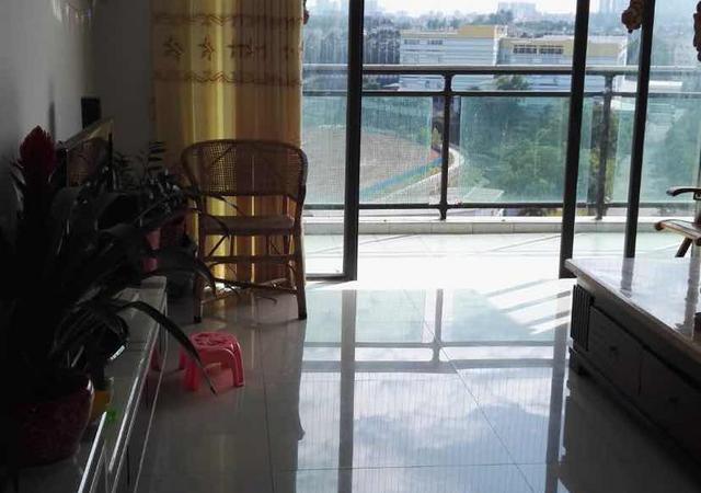 光明新区-富民广场-3室2厅1卫-100㎡
